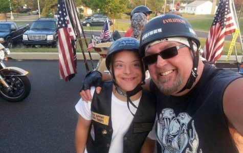 100 bikers escort bullied kid to his first day of school