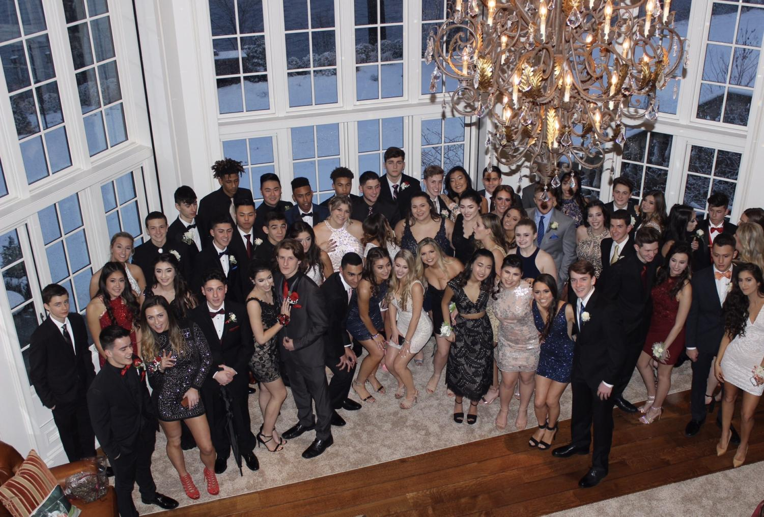 Some Juniors in a group pic before formal!