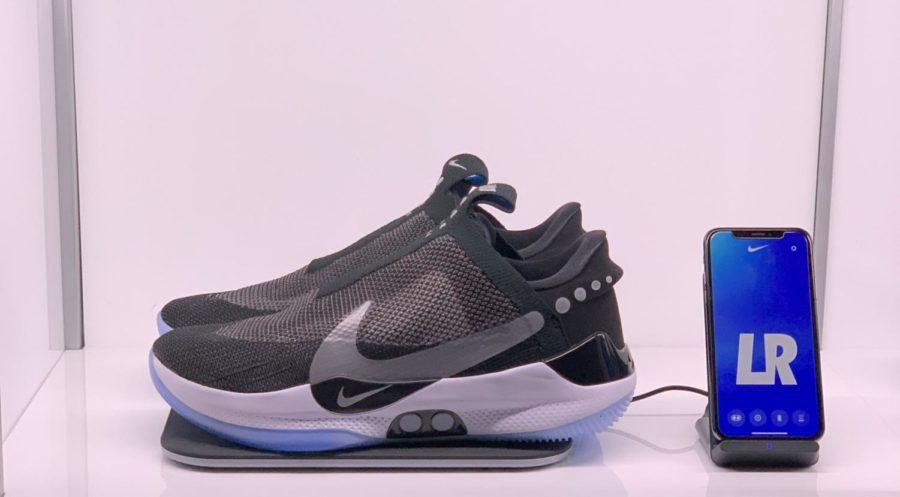 Nike+Self-Lacing+Shoe+Set+To+Hit+Market