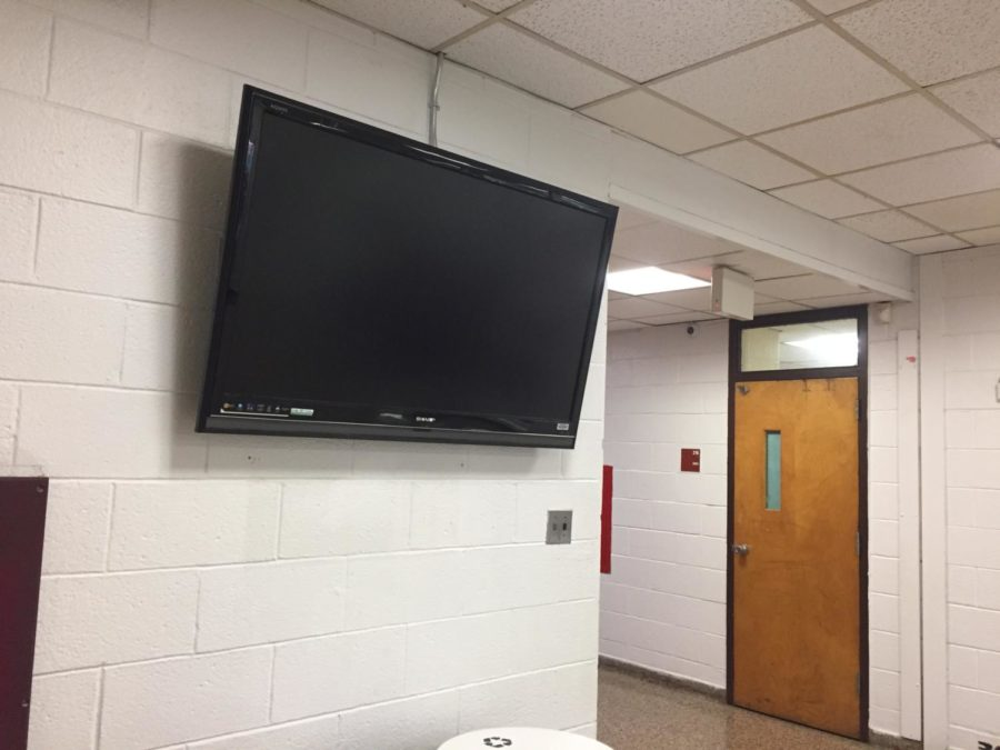 Wayne Hills Installs TV Screens Throughout Halls