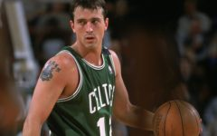Former NBA Player Chris Herren Warns Students About the Dangers of Drugs