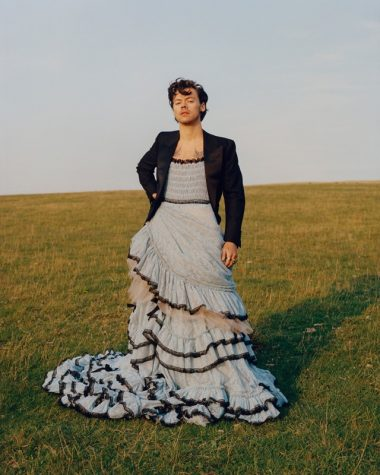 Harry Styles: The Cover of Vogue & Beating Gender Norms
